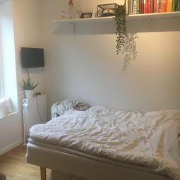 Indbydende og lys 4-værelses lejlighed – delevenlig for 3!