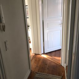 Flot 2-værelses lejlighed til singlen eller et par – på attraktiv adresse i Ø-gaderne