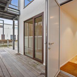 4 værelses lejlighed i to plan med sydvendttagterrasse