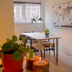 Charmerende byhus i Latinerkvarteret - fuldt møbleret