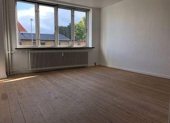 8700 2 vær. lejlighed, 69 m2, Jyllandsgade 24b St